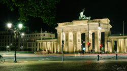 Build in the year 1788 at the end of the street 'Unter den Linden'. This famous archway is one of the most visited places in Berlin. Walking around here in the evening, you here languages from all over the world.